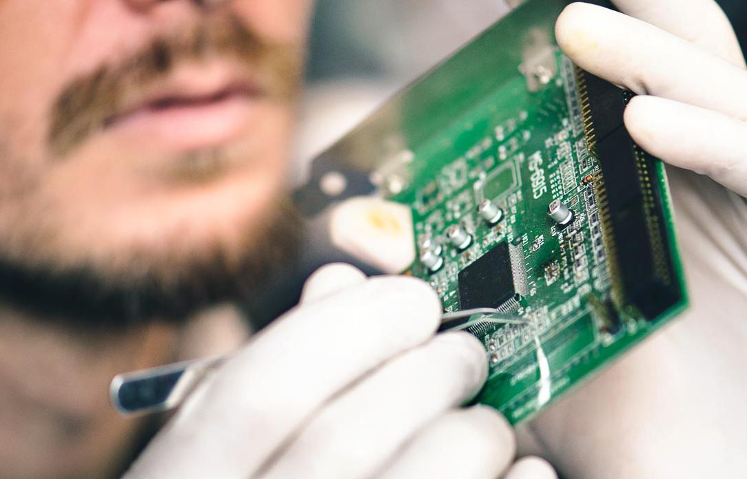 Verificación de componentes electrónicos en Danema Vial